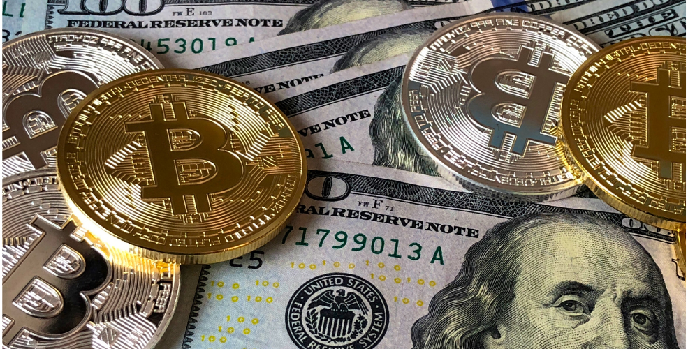 Crypto platform Coinbase rolls out convertible debt deal, stock skids below $250 reference price